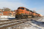 4 Ge's hustle a Z train into Fort Madison Iowa.
