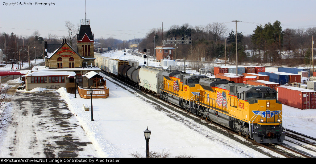 UP 8938 and UP 8953 moving east in berea Ohio.