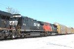 393 sets off west having lifted Autoracks at Beachville siding