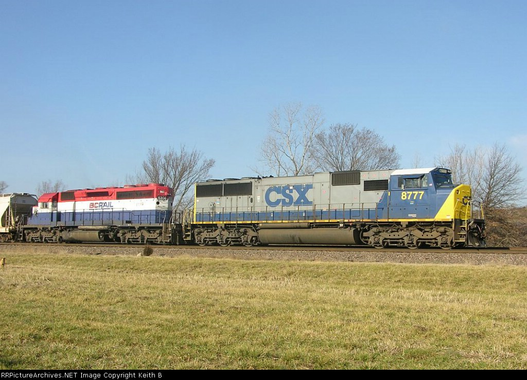 CSX 8777 and HLCX 6206