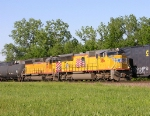 UP 5186 and CEFX 2811