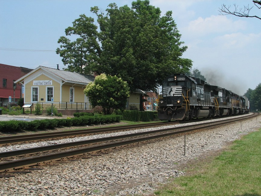 July 1, 2006 - NS 7126 leads train 213