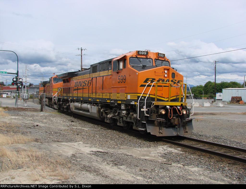 BNSF 599 West on the SeaLine