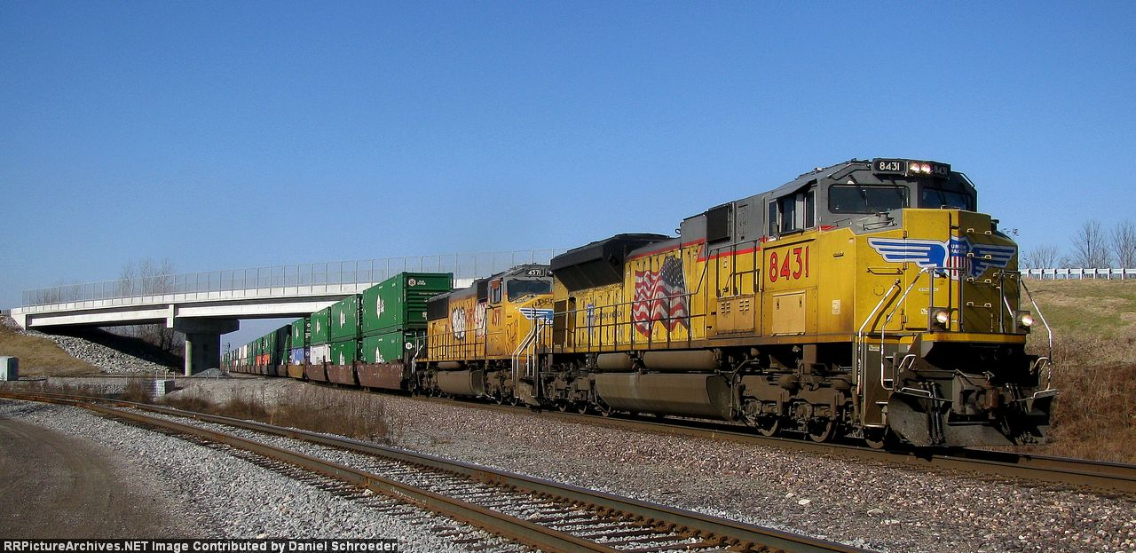 UP 8431 North ZMQG4