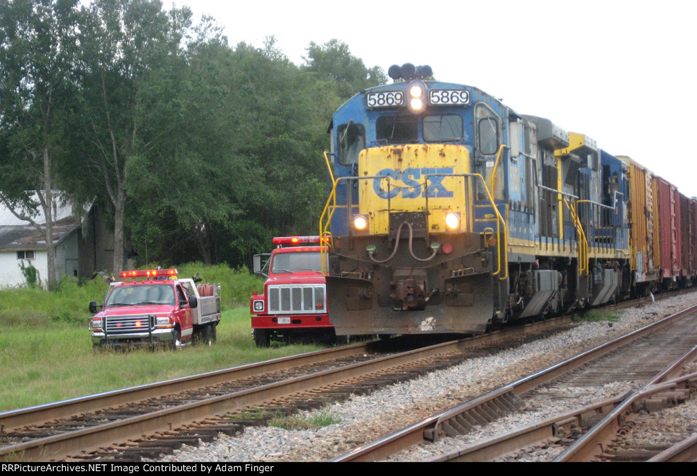CSX 5869 on CSX A773 Folkston Fire Dept. to the Rescue!