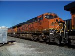 BNSF ES44C4 6677