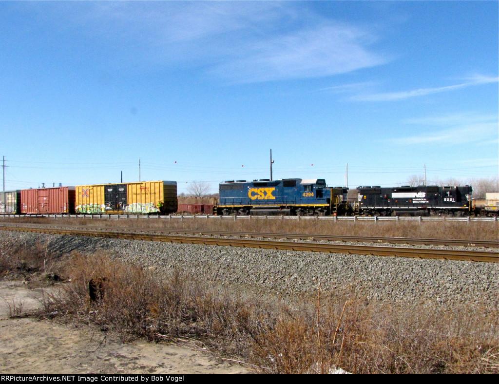 CSX 4294 and NS 5221