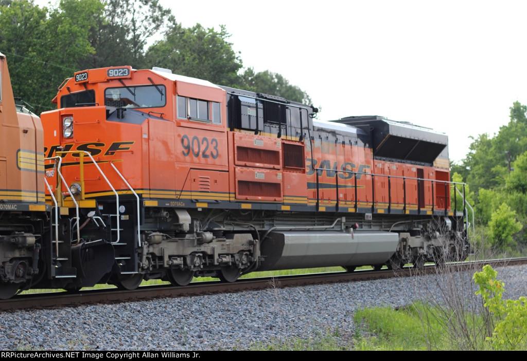 BNSF 9023