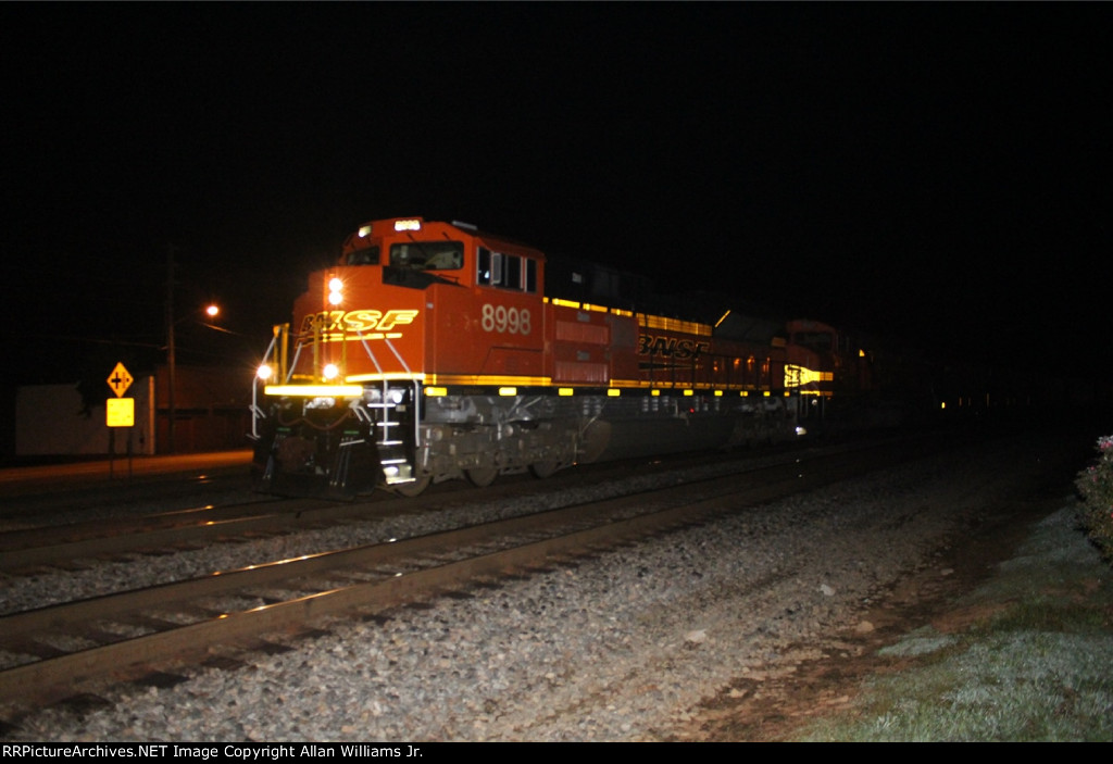 BNSF 8998