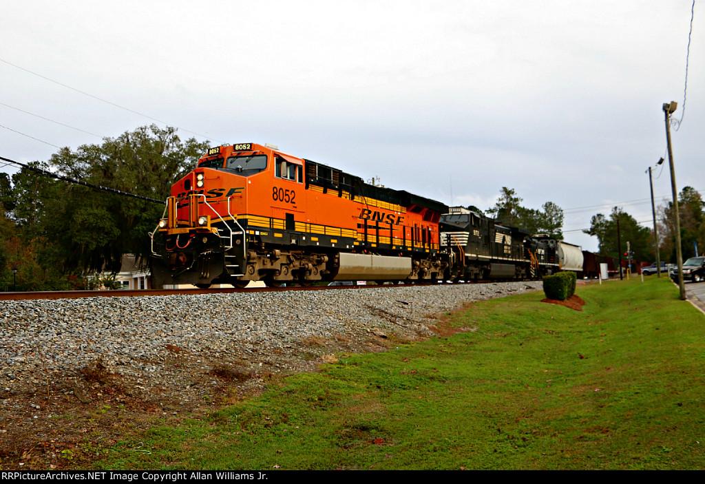 BNSF 8052