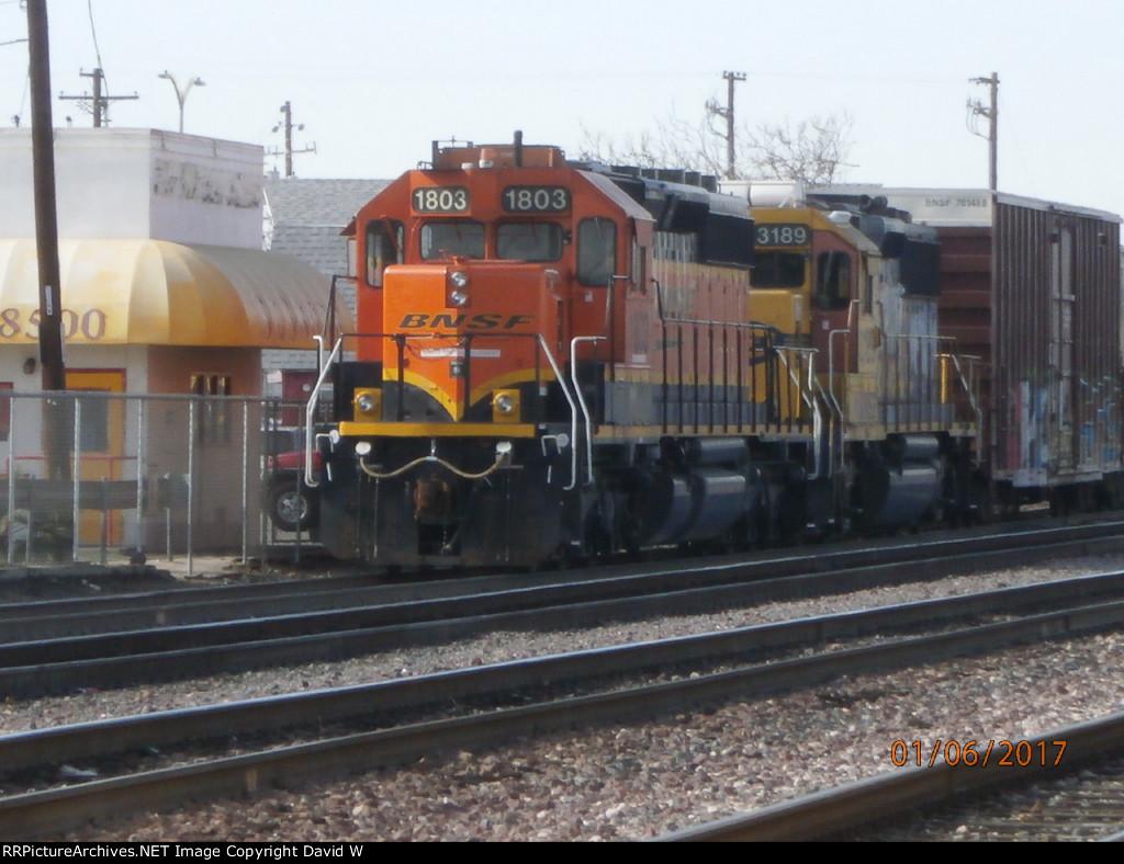 BNSF 1803 & BNSF 3189 in Bakersfield