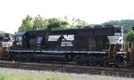 NS 6675 heads out on train 135
