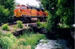 BNSF 4970 Leads NS train