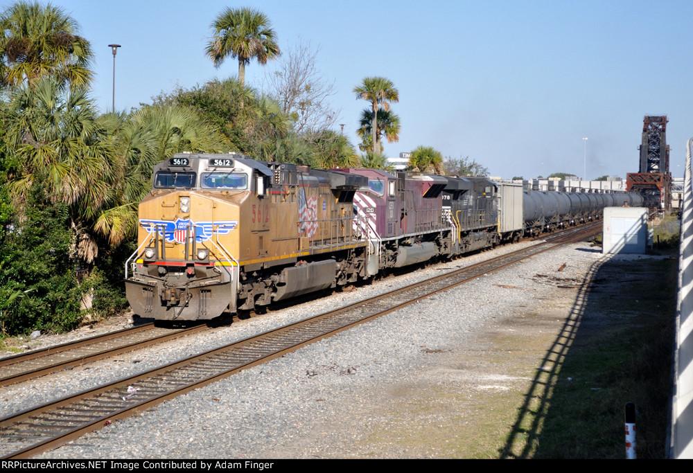UP 5612 on NS 64Q