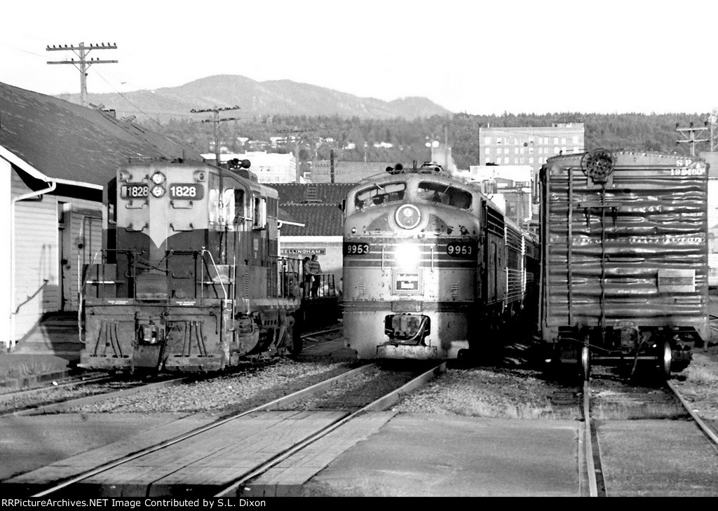 BN 9953 Amtrak