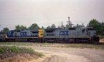 CSX 7510 leads a train northbound
