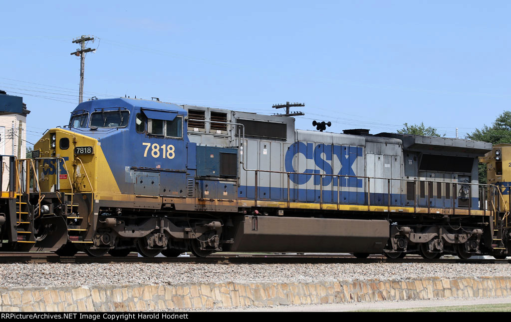 CSX 7818 sports some unusual numberboards