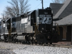 Mar 18, 2006 - NS 3285 and 5170 on T17