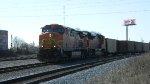 BNSF 5682 (AC44CW) 9318 (SD70ACe)