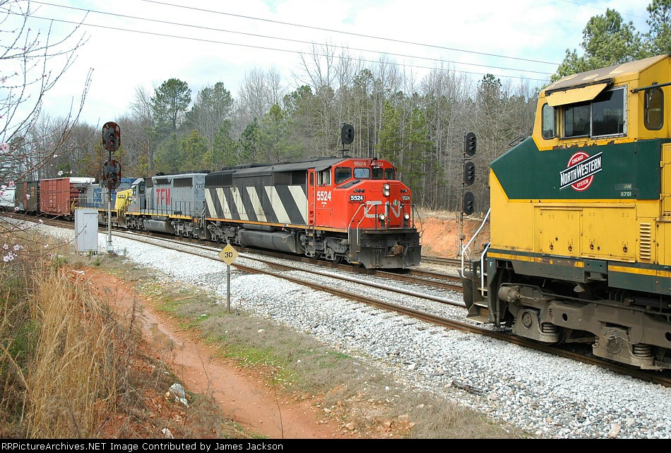 CNW 8701 meets CN 5524