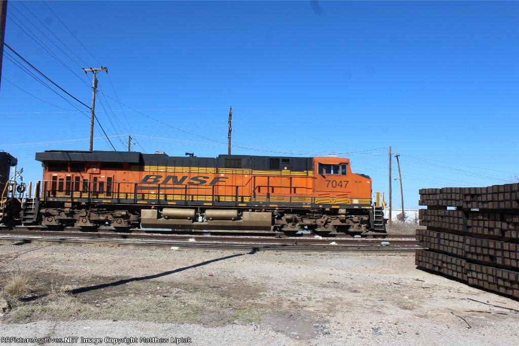 BNSF 7047