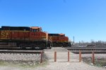 BNSF 4933 and BNSF 6833