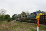 CSX 7339 heads northbound
