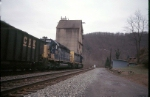 coal loads from peach creek wv