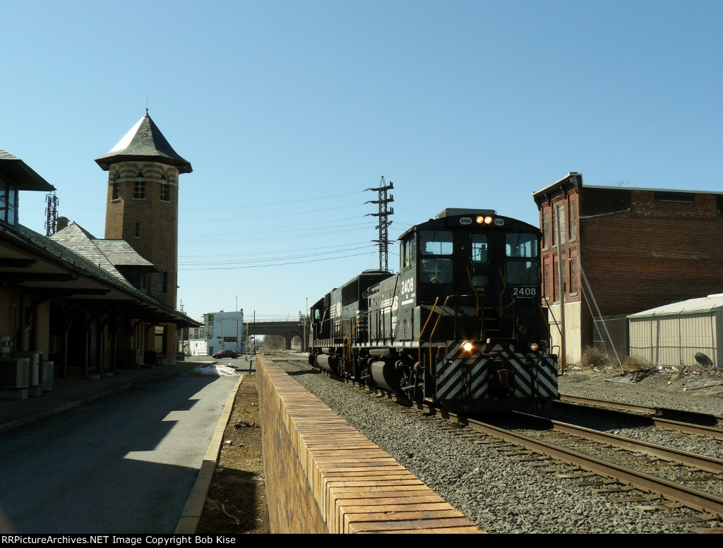 H25 by the old Reading RR station