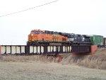 BNSF ES44DC 7223