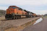BNSF 6887 Roars west with the STLTUL.