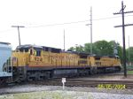 CSX train heads east with UP power