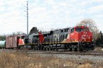 CN 2848 leads a short M347 northbound