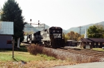 NS 8725 leads a Knoxville-Linwood,NC freight