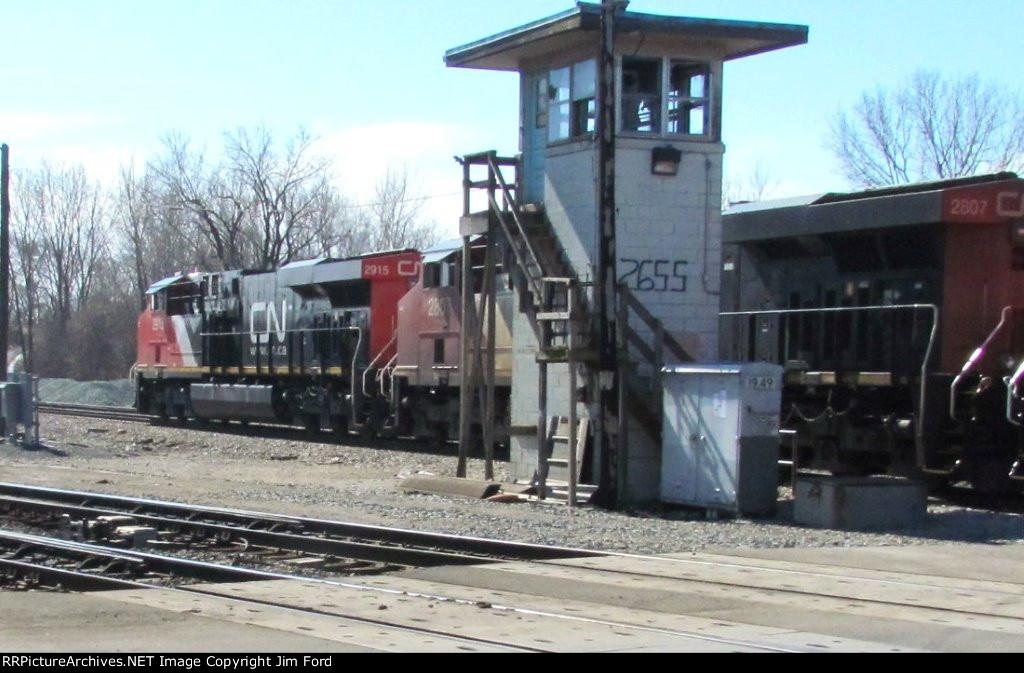 CN 2915