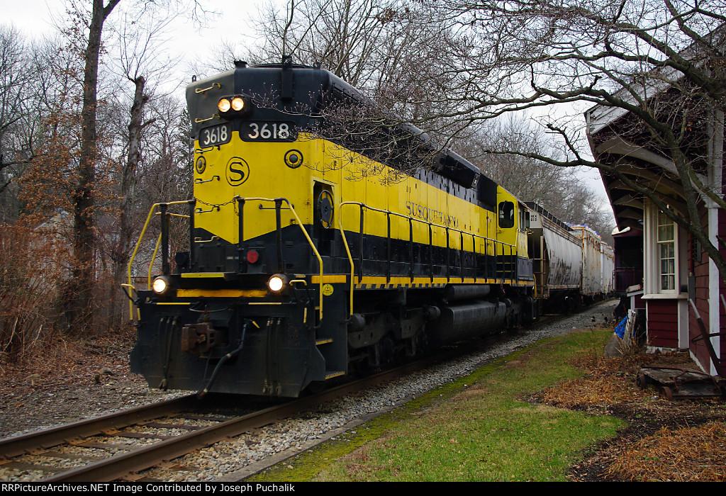 NYSW 3618 at Wortendyke Station