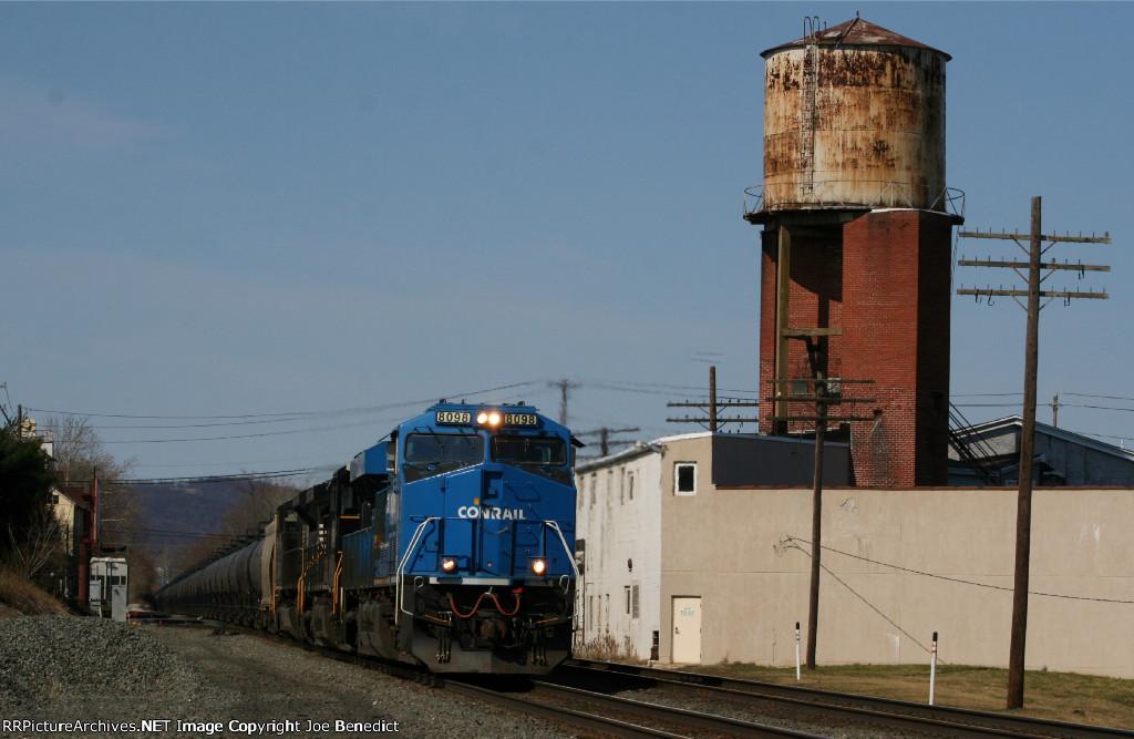 NS 8098 Conrail heritage unit on 66W