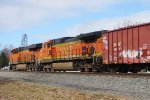 BNSF 6704 and BNSF 4504