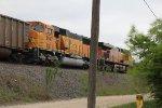 BNSF 8947 and BNSF 5989