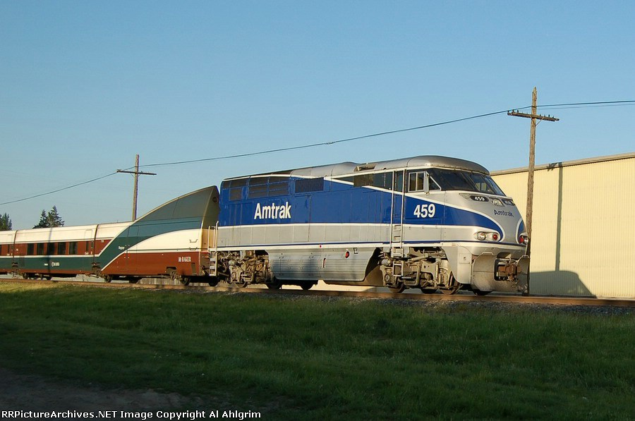 "AMTK 459 and ""Cascades"" #507 at 70 mph."