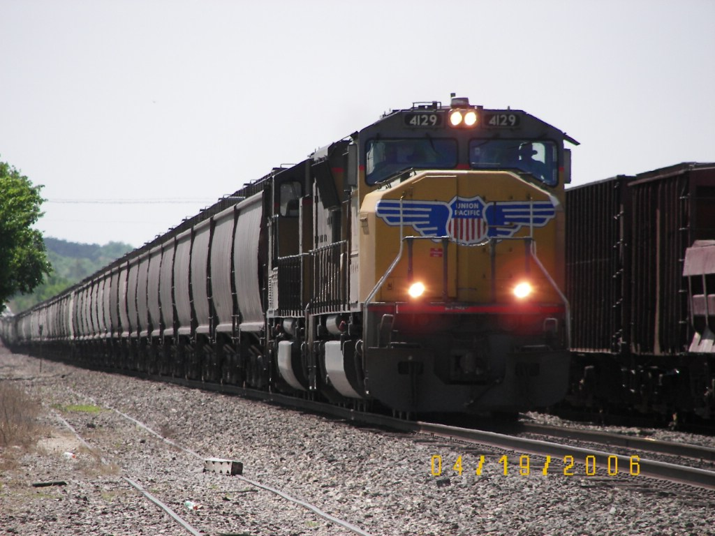 UP SD70M 4129