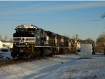 CEFX 3155 and BNSF 4057