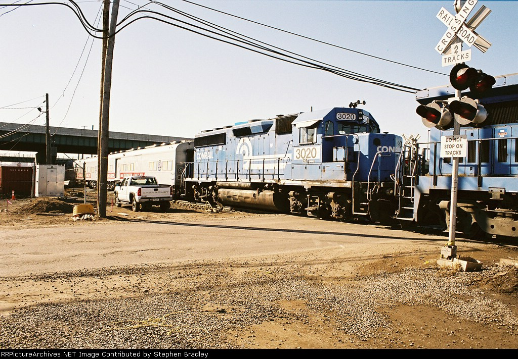 More Conrail blue