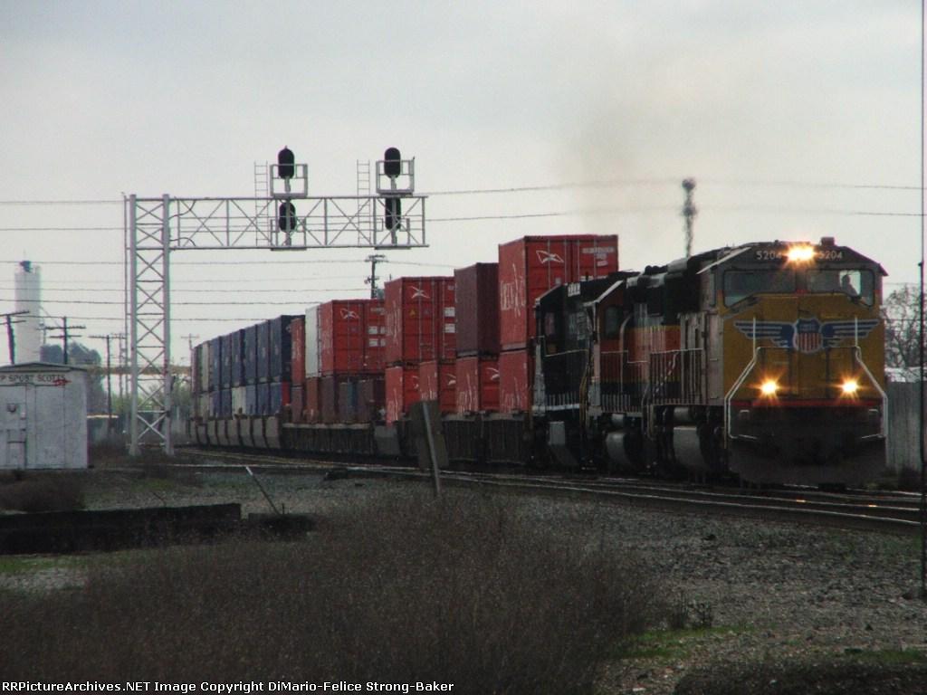 UP 5204