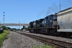 NS Dash 9s lead a NB BNSF manifest