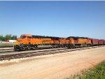 BNSF ES44C4 7957 & BNSF C44-9W 4658