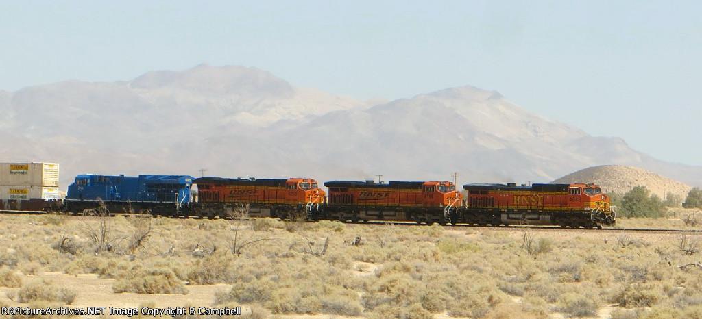 BNSF 4948 - BNSF 4116 - BNSF 4253 - GECX 2044