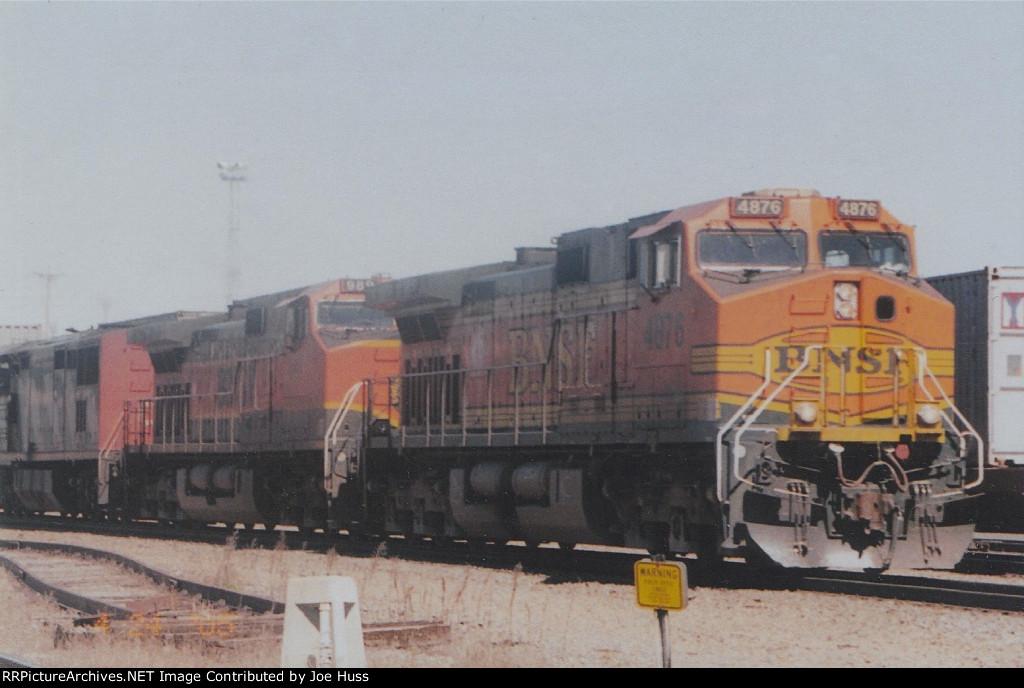 BNSF 4876 East