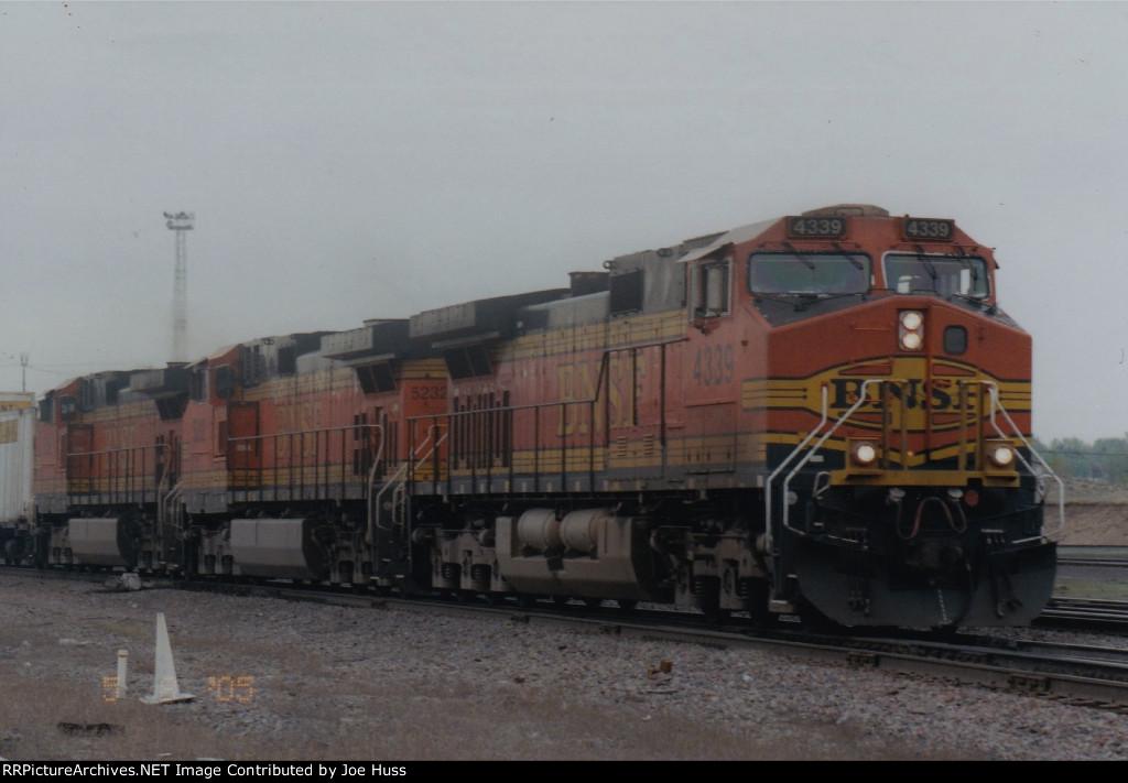 BNSF 4339 East