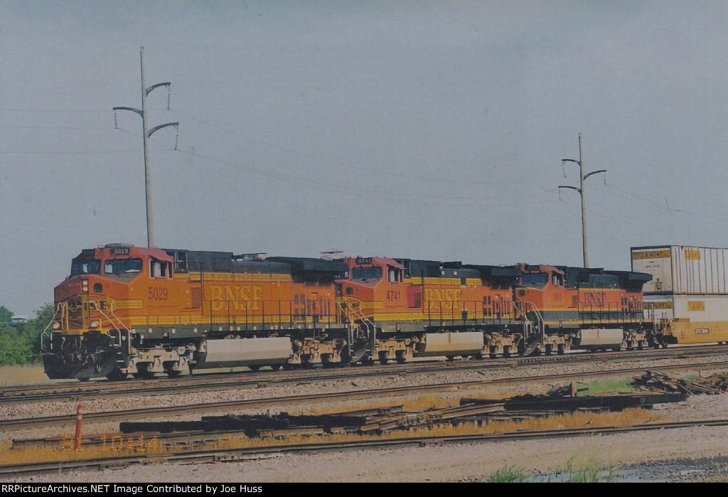BNSF 5029 East